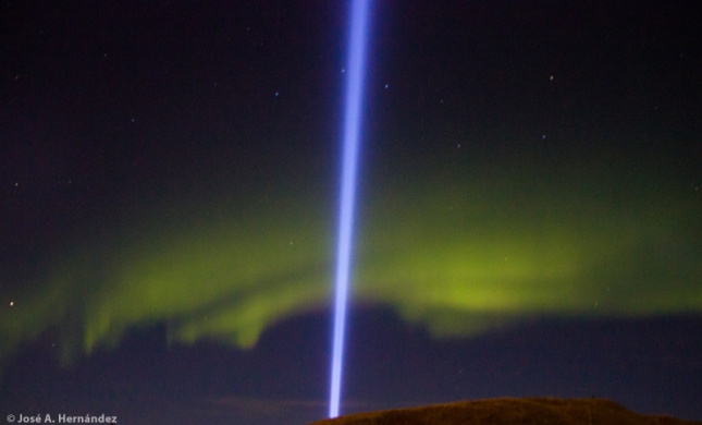 Imagine Peace Tower en Videy, Reikiavik (Islandia)