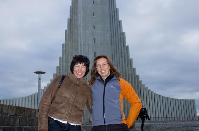 María de la Rosa y María Sastre en Reikiavik